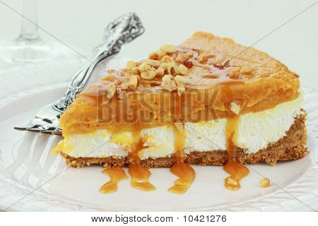 Double Layer No Bake Pumpkin Pie