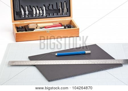Sharp Knife and cutting tools