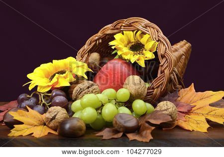 Thanksgiving Cornucopia Centerpiece