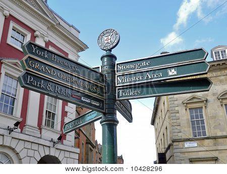 York sinal Post