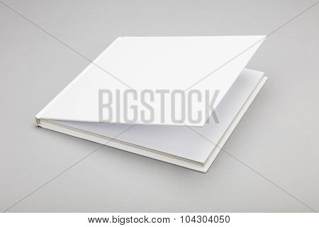 Blank Book White Cover 8,5 X 8,5 In