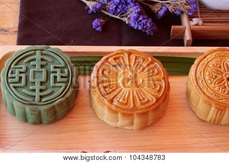 Festival Moon Cake And Tea  - China Dessert Delicious.