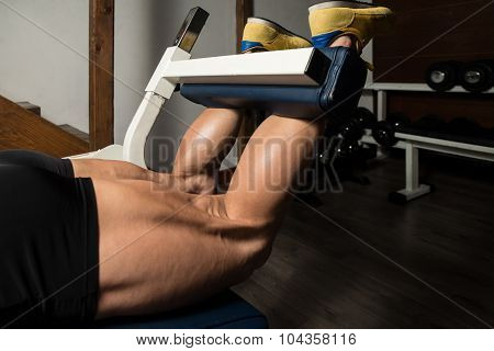 Training Strong Legs Hamstring