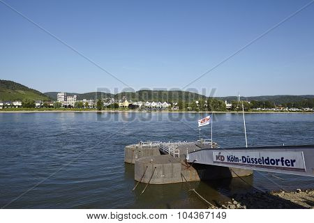 Bad Breisig (germany) - Rhine And Jetty
