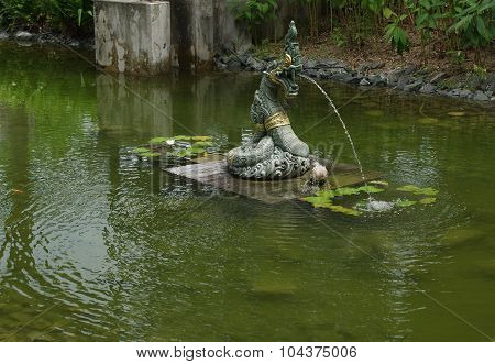 Dragon Head Snake Fountain.