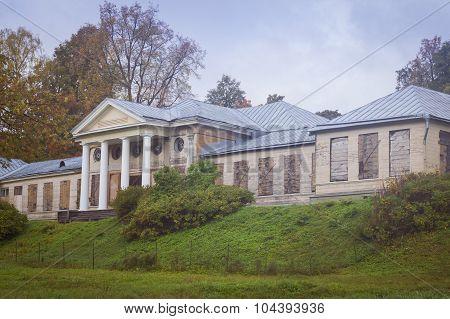 Manor house in Monrepos park