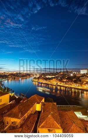 Porto: panorama of Ribeira and Douro river