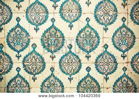 Repeating patterns on ceramic tiles in Ottoman style