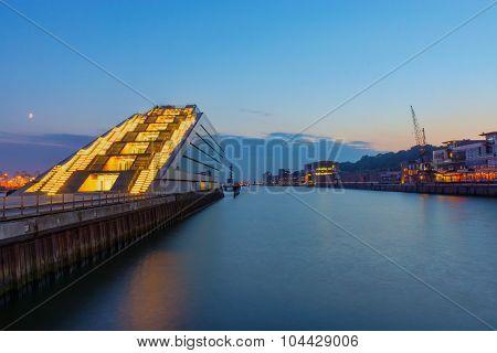 The Hamburg harbor after sunset