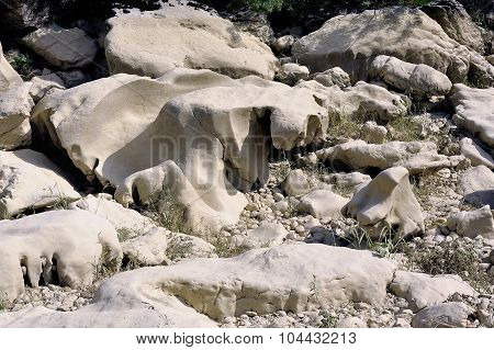 The Bed Of The River Gardon Completely Dry