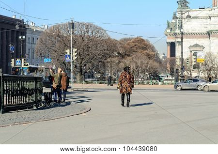 Actor In The Image Of Peter The Great Walks Among The Tourists On St. Isaacs Square