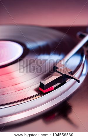 Turntable with shallow depth of field