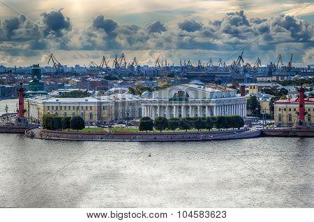 View  Centre St. Petersburg  Neva River Spit Vasilievsky Island Rostral Columns Exchange Building