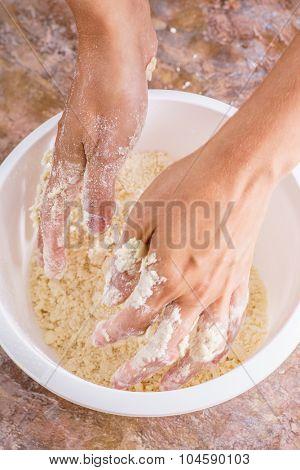 Chef preparing pastry