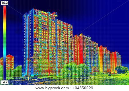 Thermal Image On Residential Building_10
