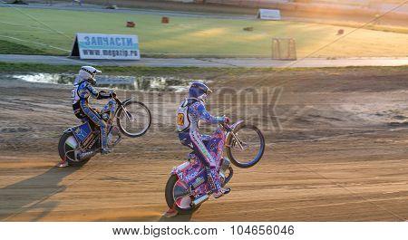 Races On Back Wheels