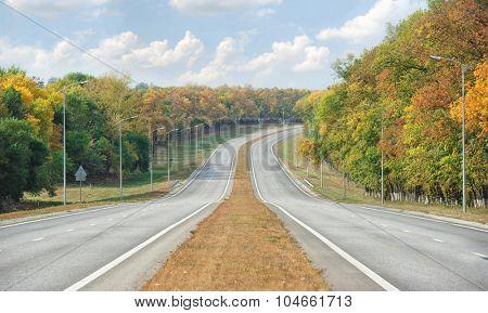 Empty road. Autumn nature