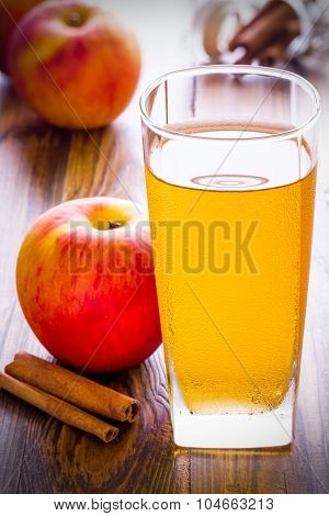 Apple Cider With Cinnamon / Apple Cider / Apple Cider With Cinnamon On Wooden Background