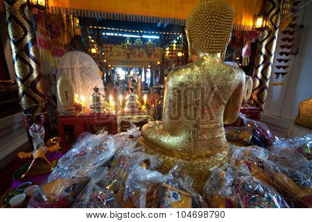 Golden sitting Buddha In Wat Phanan Choeng,Ayutthaya,Thailand.