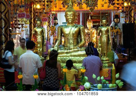 The Thai Buddhist Peoples Are Worshiped Golden Buddha In Wat Phanan Choeng,Ayutthaya,Thailand.