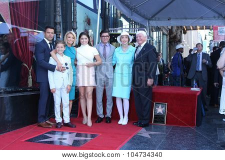 LOS ANGELES - OCT 12:  Kelly Ripa, Mark Consuelos, Michael, Lola , Joaquin, Joseph Ripa, Esther Ripa at the Kelly Ripa WOF Ceremony at the Hollywood Walk of Fame on October 12, 2015 in Los Angeles, CA