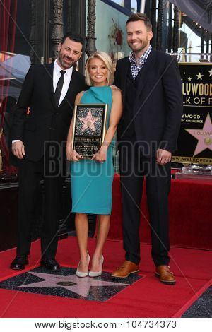 LOS ANGELES - OCT 12:  Jimmy Kimmel, Kelly Ripa, Joel McHale at the Kelly Ripa Hollywood Walk of Fame Ceremony at the Hollywood Walk of Fame on October 12, 2015 in Los Angeles, CA