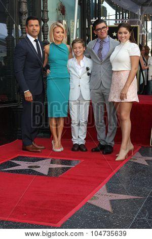 LOS ANGELES - OCT 12:  Kelly Ripa, Mark Consuelos, family at the Kelly Ripa Hollywood Walk of Fame Ceremony at the Hollywood Walk of Fame on October 12, 2015 in Los Angeles, CA