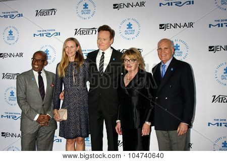 LOS ANGELES - OCT 8:  Al Roker, Liza Powel, Conan O'Brien, Suzanne Wright, Bob Wright at the Autism Speaks Celebrity Chef Gala at the Barker Hanger on October 8, 2015 in Santa Monica, CA