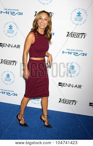 LOS ANGELES - OCT 8:  Giada De Laurentiis at the Autism Speaks Celebrity Chef Gala at the Barker Hanger on October 8, 2015 in Santa Monica, CA