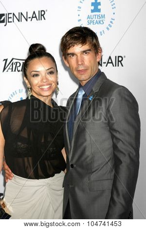 LOS ANGELES - OCT 8:  Anel Lopez, Christopher Gorham at the Autism Speaks Celebrity Chef Gala at the Barker Hanger on October 8, 2015 in Santa Monica, CA