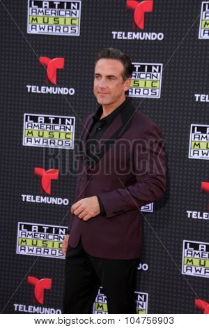 LOS ANGELES - OCT 8:  Carlos Ponce at the Latin American Music Awards at the Dolby Theater on October 8, 2015 in Los Angeles, CA