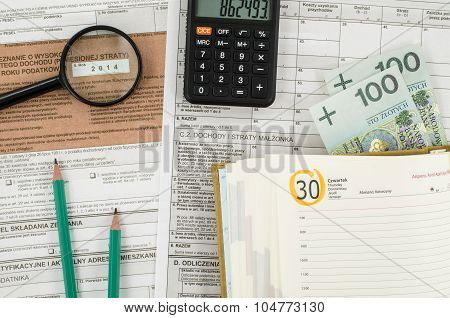 Polish tax form with office tools