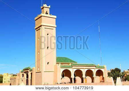 In Maroc Africa Minaret  The Blue    Sky