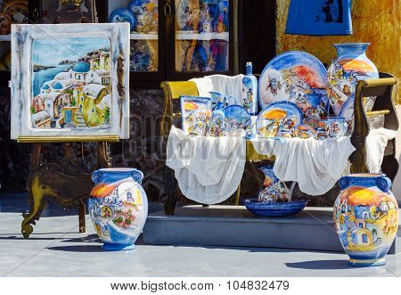 raditional ceramic souvenirs in Oia town of santoriny island