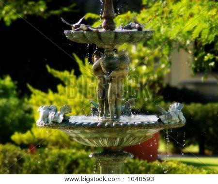 Statue Bird Feeder