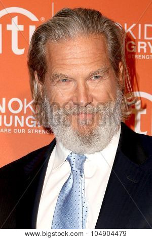 LOS ANGELES - OCT 14:  Jeff Bridges at the No Kid Hungry Benefit Dinner at the Four Seasons Hotel on October 14, 2015 in Los Angeles, CA