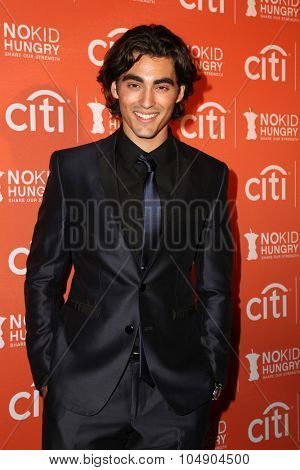 LOS ANGELES - OCT 14:  Blake Michael at the No Kid Hungry Benefit Dinner at the Four Seasons Hotel on October 14, 2015 in Los Angeles, CA