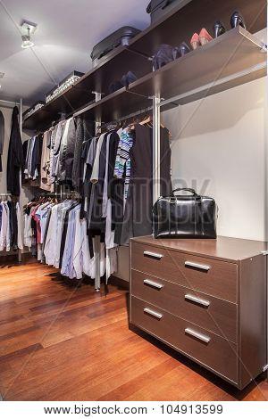 Spacious Walk-in Wardrobe