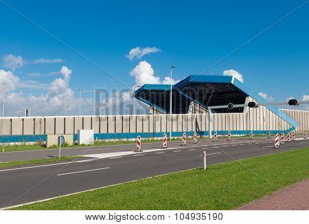 Schiphol Tunnel Entrance