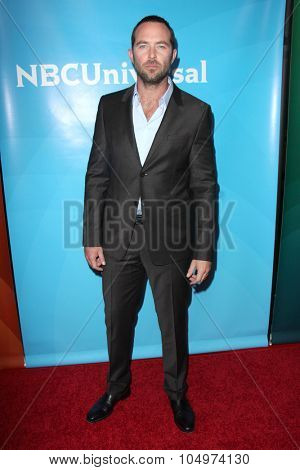 LOS ANGELES - AUG 12:  Sullivan Stapleton at the NBCUniversal 2015 TCA Summer Press Tour at the Beverly Hilton Hotel on August 12, 2015 in Beverly Hills, CA
