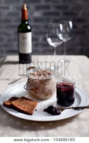 Rabbit meat in a wite wine jelly with chutney