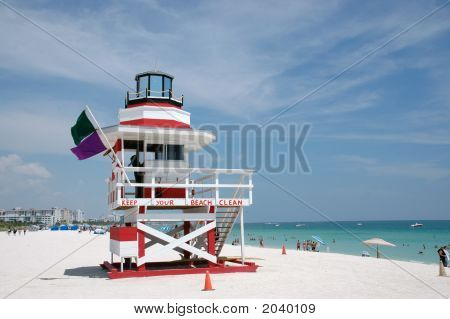 White And Red Art Deco Lifeguard Tower In South Beach
