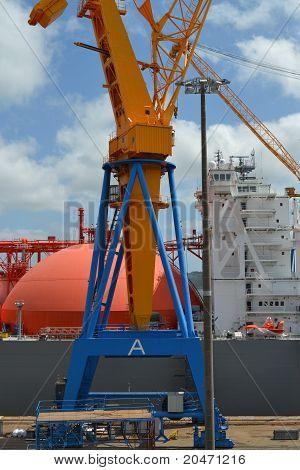 Crane and LPG ship
