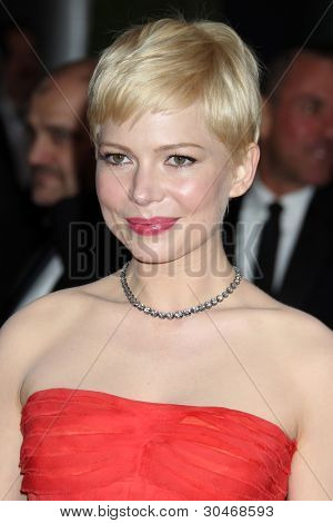 LOS ANGELES - FEB 26:  Michelle Williams arrives at the 84th Academy Awards at the Hollywood & Highland Center on February 26, 2012 in Los Angeles, CA.