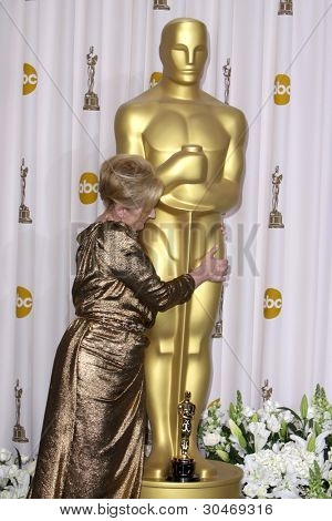LOS ANGELES - FEB 26:  Meryl Streep arrives at the 84th Academy Awards at the Hollywood & Highland Center on February 26, 2012 in Los Angeles, CA.