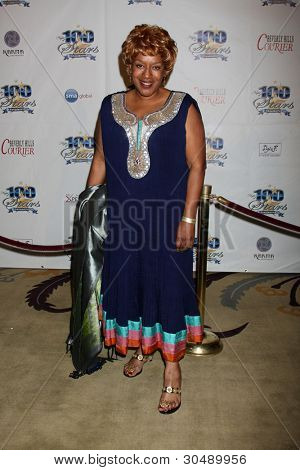 LOS ANGELES - FEB 26:  CCH Pounder arrives at the