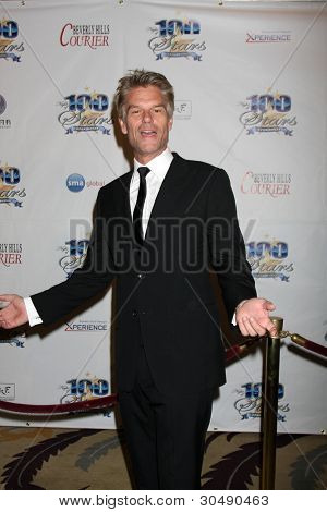 LOS ANGELES - FEB 26:  Harry Hamlin arrives at the