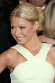 LOS ANGELES - FEB 26:  Kelly Ripa arrives at the 84th Academy Awards at the Hollywood & Highland Cen
