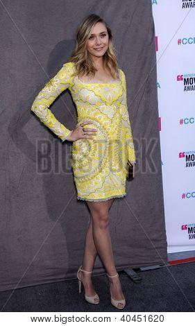 LOS ANGELES - JAN 12: ELIZABETH OLSEN Ankunft in Critic's Choice Movie Awards 2012 am 12. Januar,