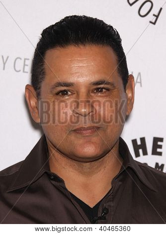 LOS ANGELES - AUG 10:  RAYMOND CRUZ arriving to An Evening with